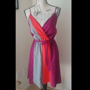 * Pretty Color-Block Dress *